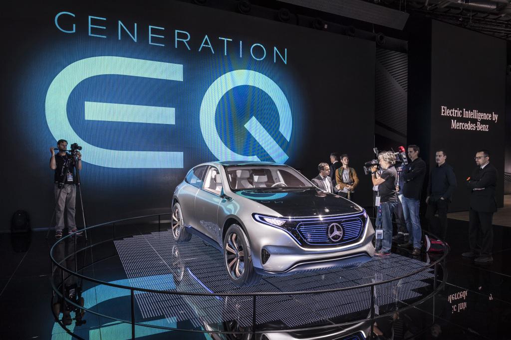 """Mercedes-Benz auf der """"Mondial de l'Automobile 2016"""" ; Mercedes-Benz at """"Mondial de l'Automobile 2016"""";"""